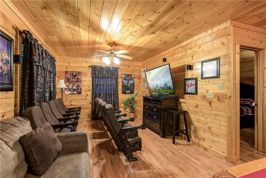 Photo of a Pigeon Forge Cabin named Simple Elegance - This is the thirteenth photo in the set.