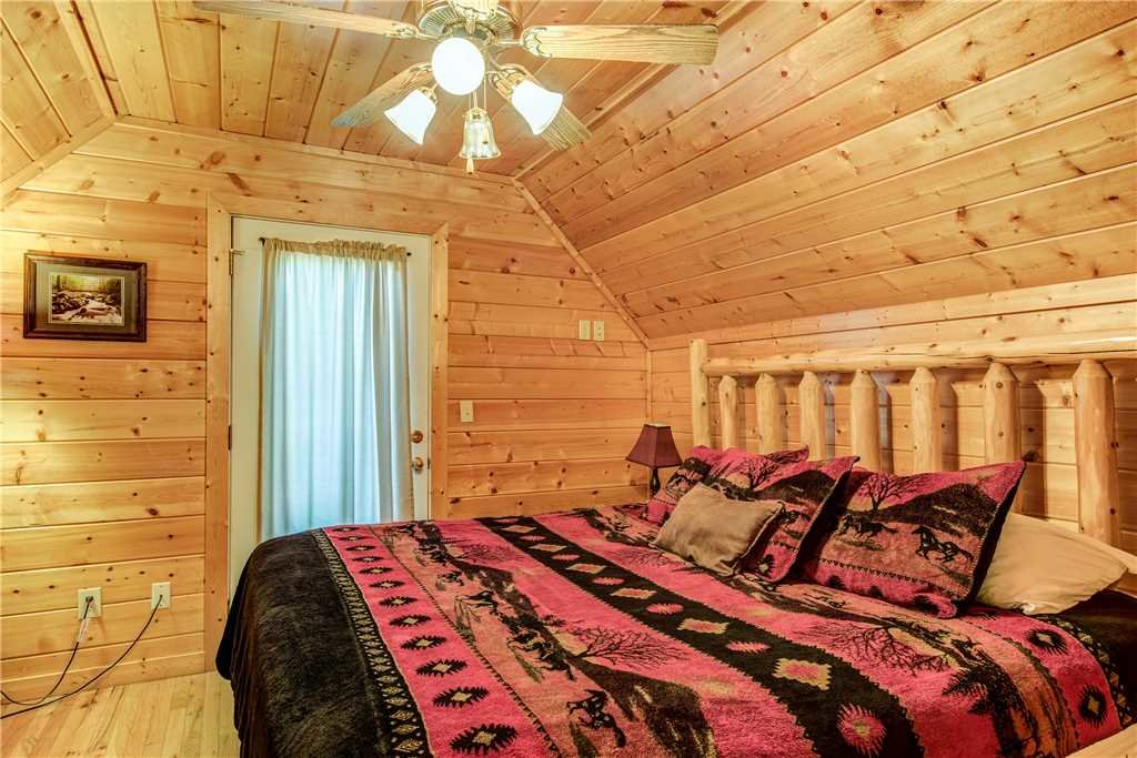 Photo of a Pigeon Forge Cabin named Simple Elegance - This is the nineteenth photo in the set.