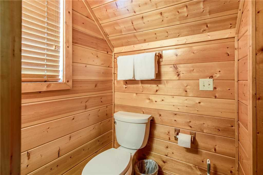 Photo of a Pigeon Forge Cabin named Simple Elegance - This is the twenty-third photo in the set.