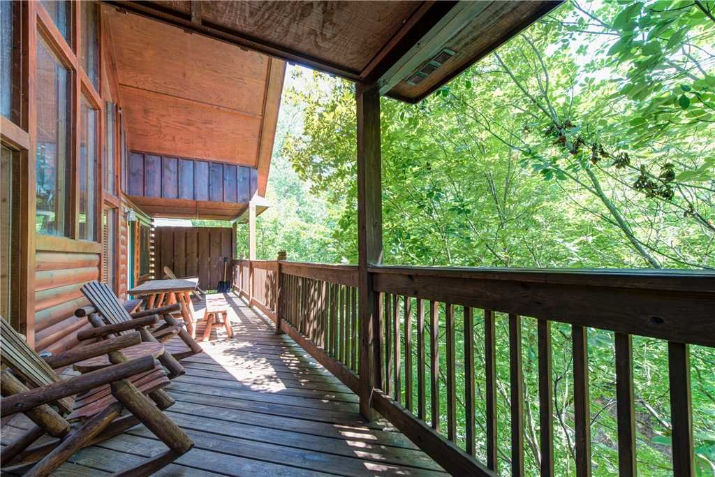 Photo of a Pigeon Forge Cabin named Simple Elegance - This is the thirtieth photo in the set.
