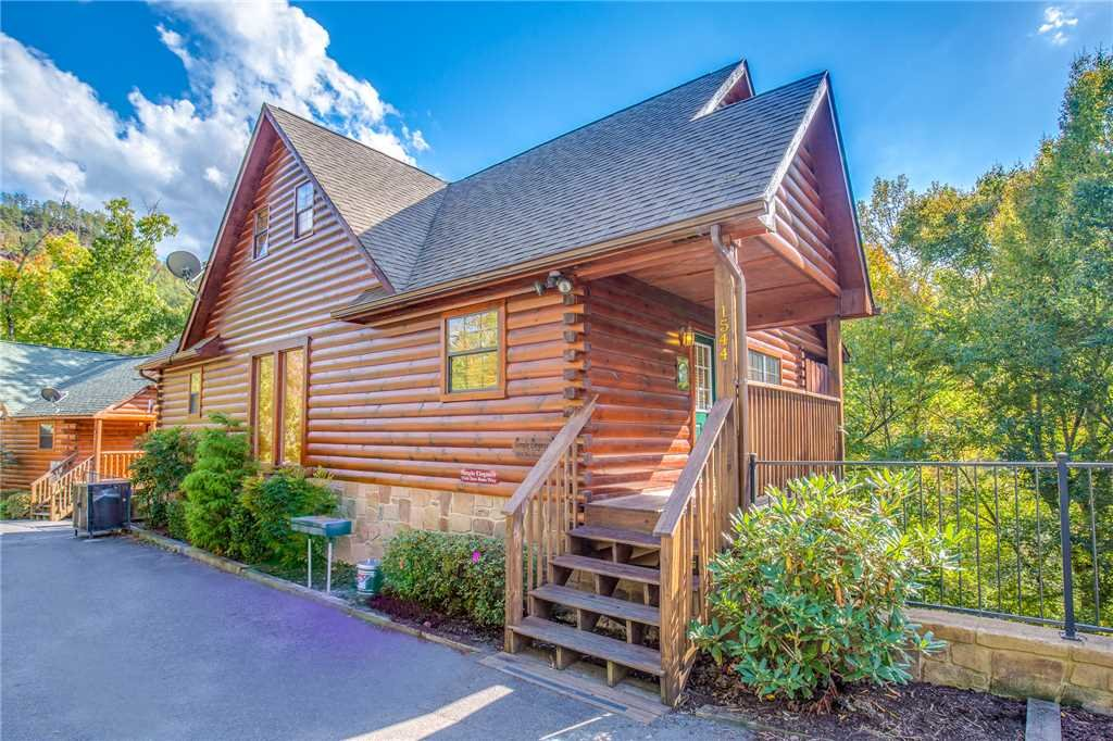 Photo of a Pigeon Forge Cabin named Simple Elegance - This is the thirty-first photo in the set.