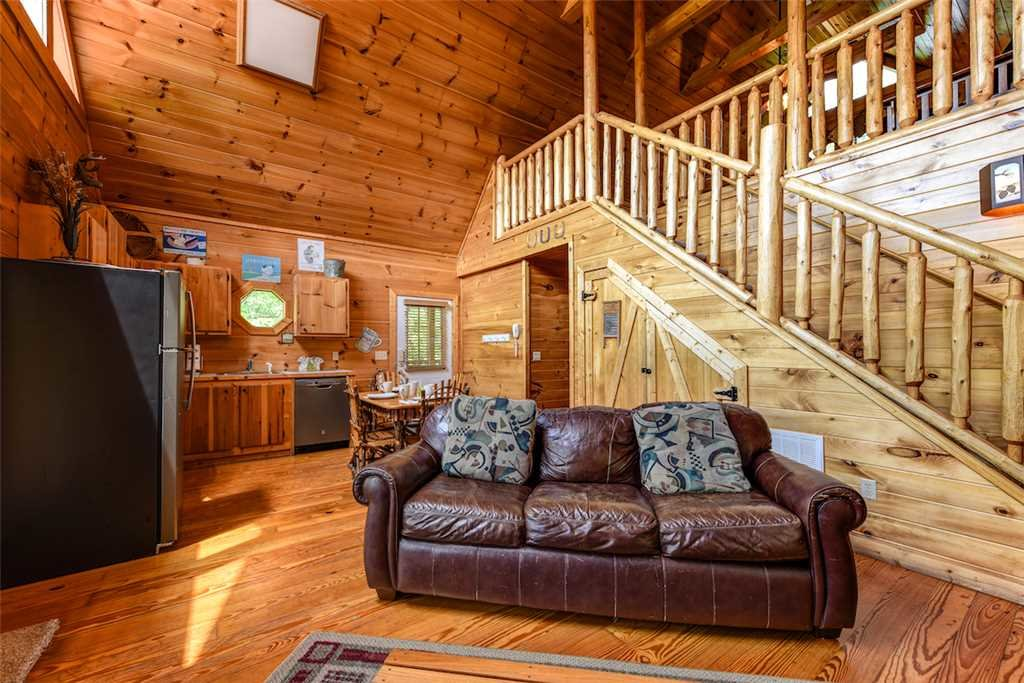 Photo of a Gatlinburg Cabin named To Have And To Hold - This is the first photo in the set.
