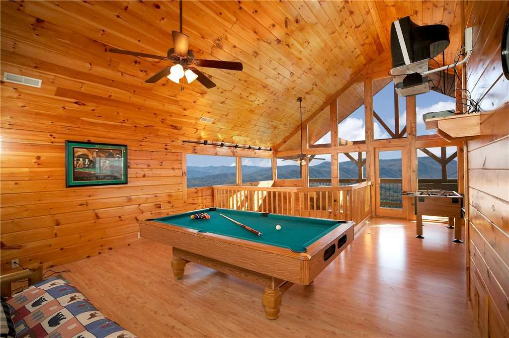 Photo of a Pigeon Forge Cabin named Amidst The Beauty - This is the seventh photo in the set.