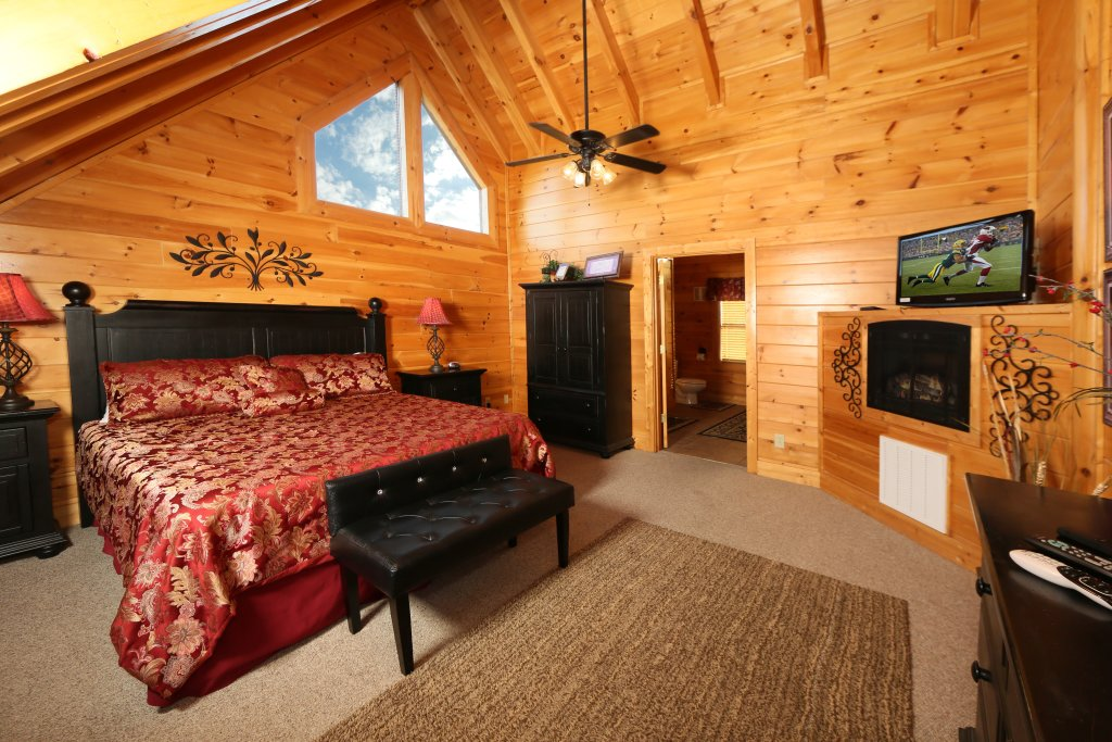 Photo of a Pigeon Forge Cabin named Better View - This is the twentieth photo in the set.