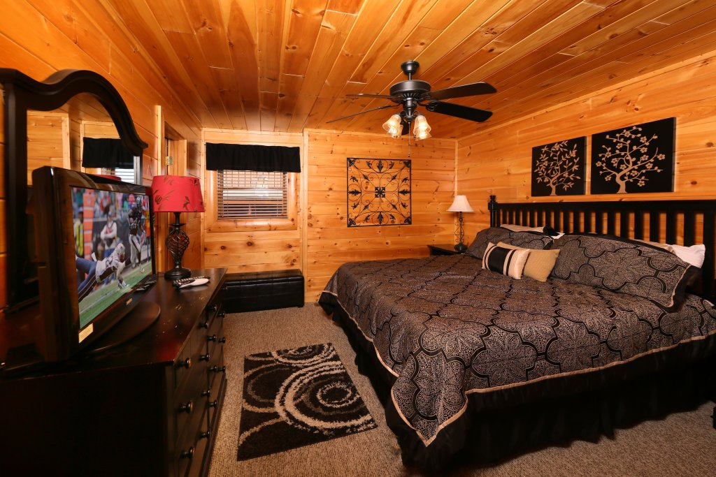 Photo of a Pigeon Forge Cabin named Better View - This is the twenty-seventh photo in the set.