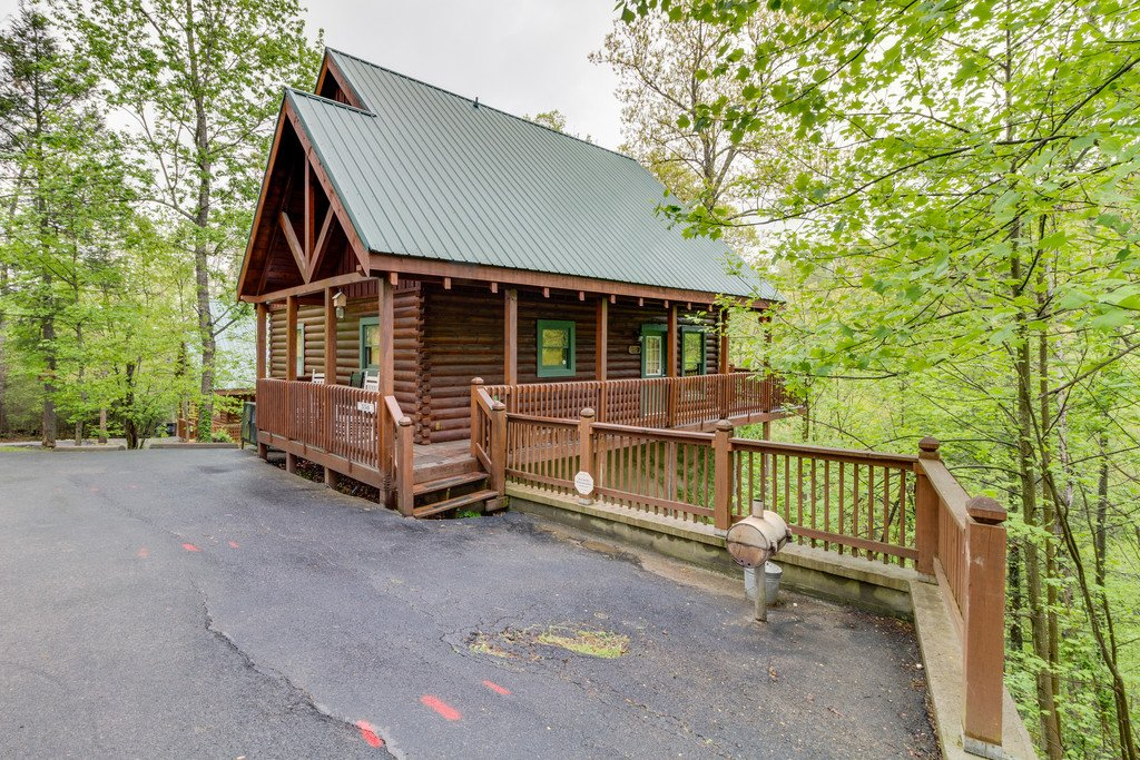 Photo of a Gatlinburg Cabin named Beary Comfy - This is the forty-second photo in the set.