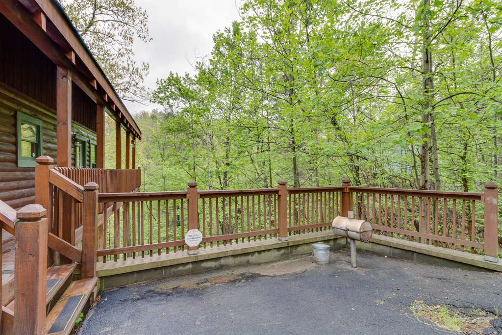 Photo of a Gatlinburg Cabin named Beary Comfy - This is the forty-first photo in the set.