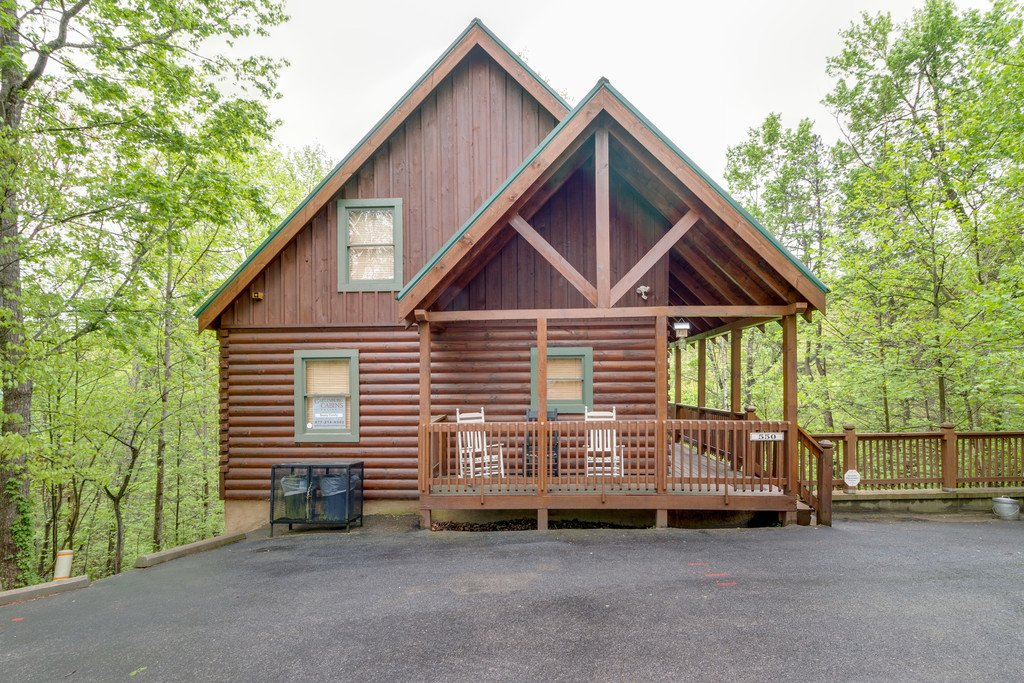 Photo of a Gatlinburg Cabin named Beary Comfy - This is the forty-third photo in the set.