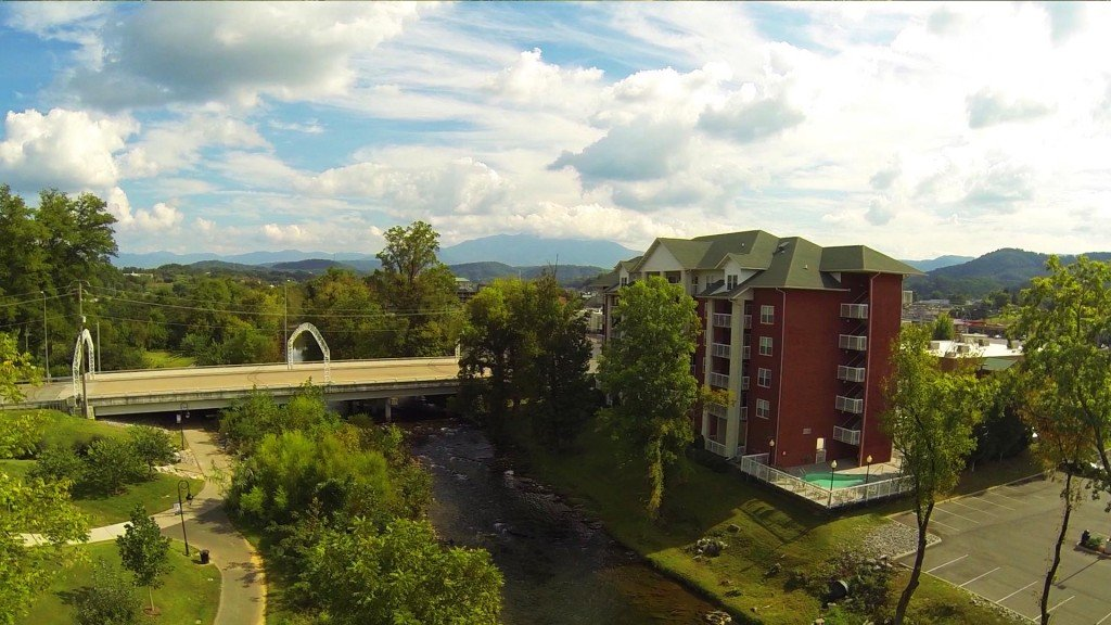 Photo of a Pigeon Forge Condo named Bear Crossing 403 - This is the second photo in the set.