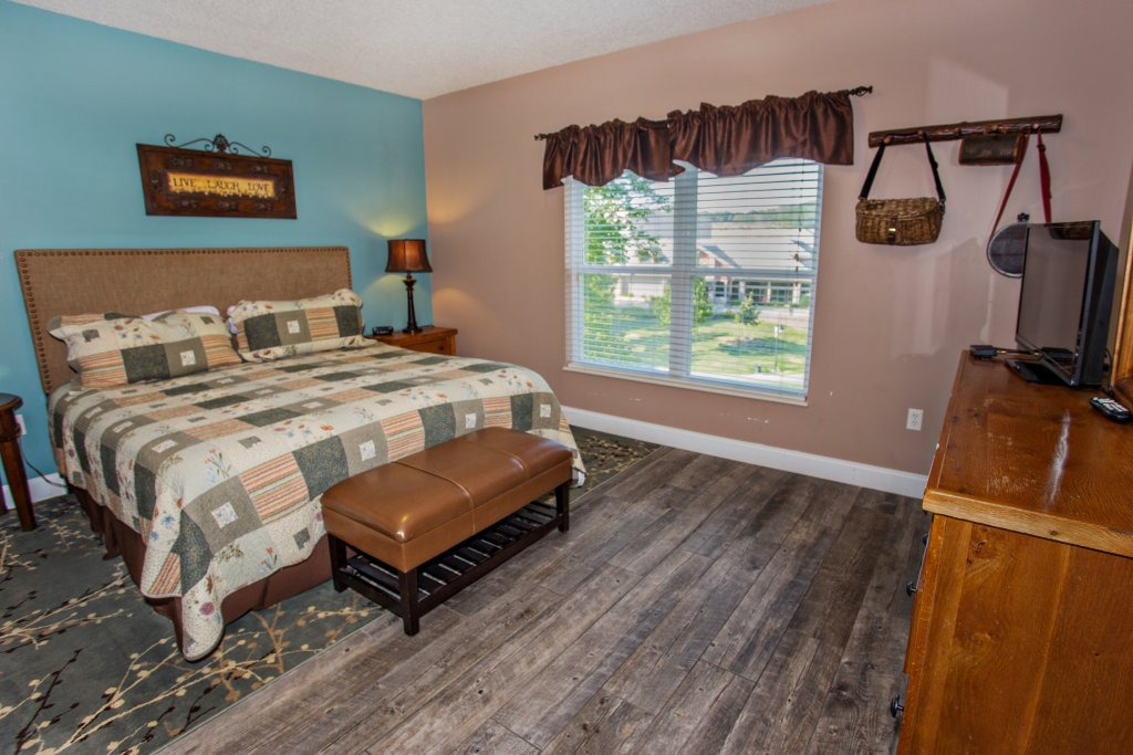 Photo of a Pigeon Forge Condo named Bear Crossing 202 - This is the twenty-first photo in the set.
