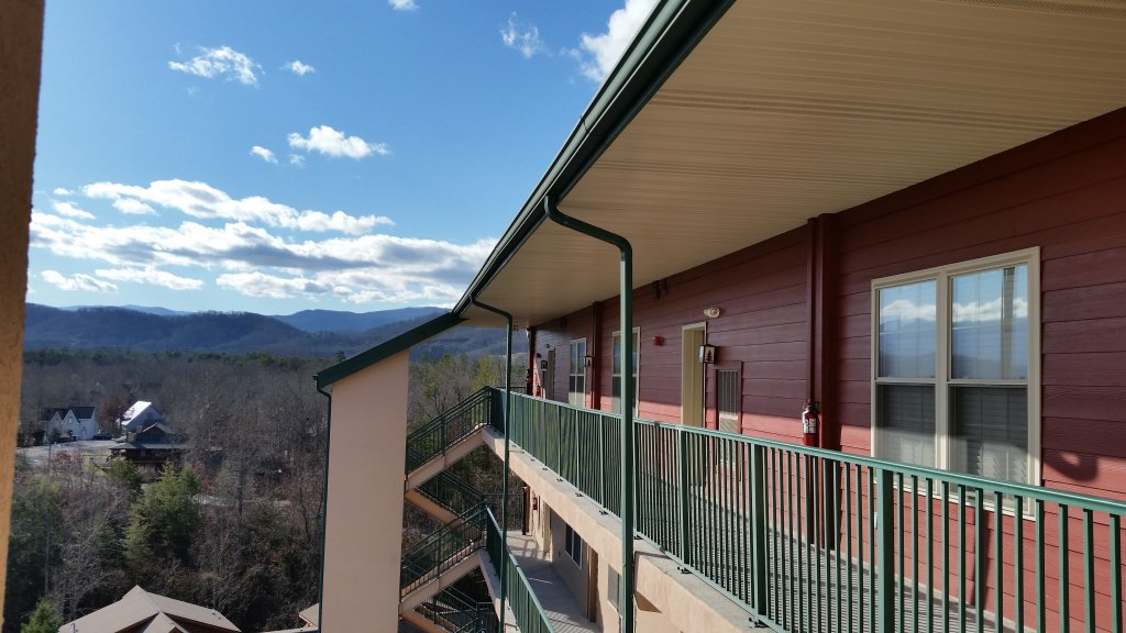 Photo of a Pigeon Forge Condo named 2004 Big Bear Resort - This is the ninth photo in the set.