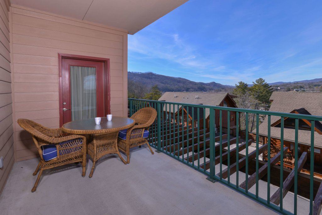 Photo of a Pigeon Forge Condo named 2004 Big Bear Resort - This is the first photo in the set.