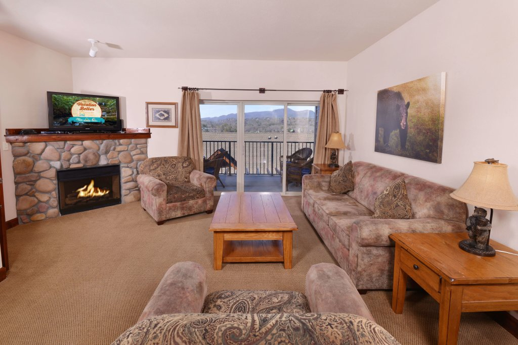 Photo of a Pigeon Forge Condo named 2004 Big Bear Resort - This is the thirteenth photo in the set.