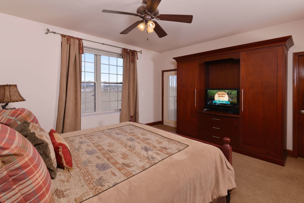 Photo of a Pigeon Forge Condo named 2004 Big Bear Resort - This is the sixteenth photo in the set.
