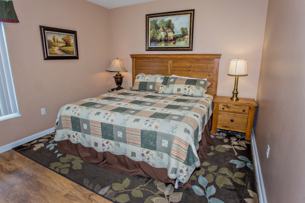 Photo of a Pigeon Forge Condo named Bear Crossing 202 - This is the nineteenth photo in the set.
