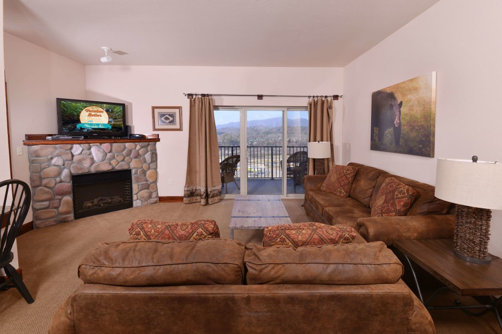Photo of a Pigeon Forge Condo named 4004 Big Bear Resort - This is the seventeenth photo in the set.