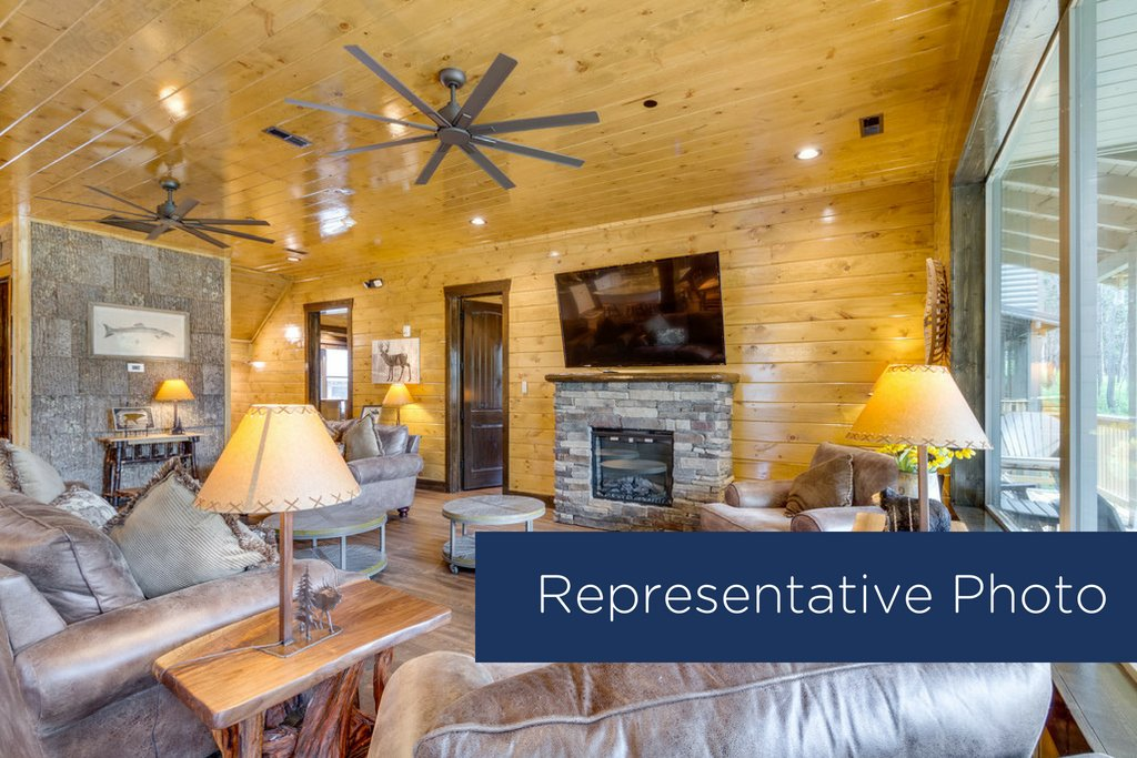 Photo of a Gatlinburg Cabin named The Big Poplar Retreat - This is the third photo in the set.