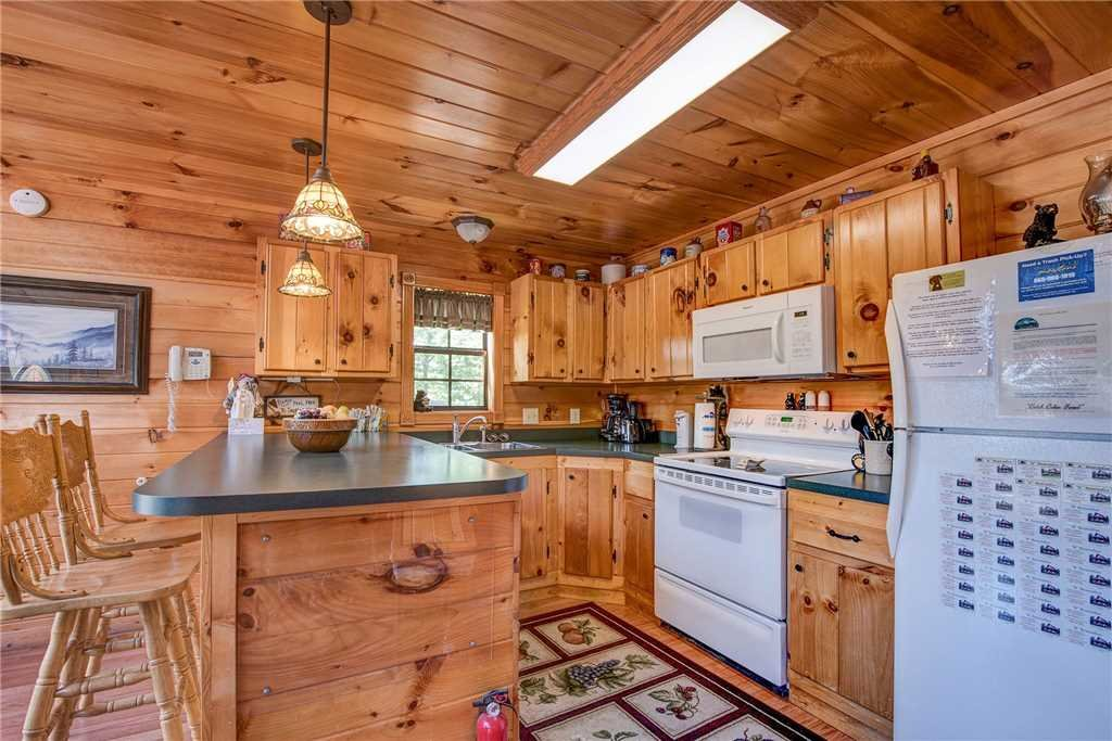 Photo of a Sevierville Cabin named R Bearadise - This is the tenth photo in the set.