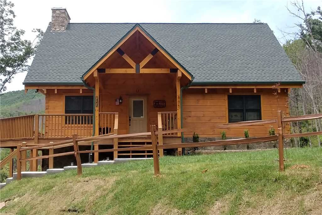 Photo of a Gatlinburg Cabin named Lone Wolf Lodge - This is the first photo in the set.
