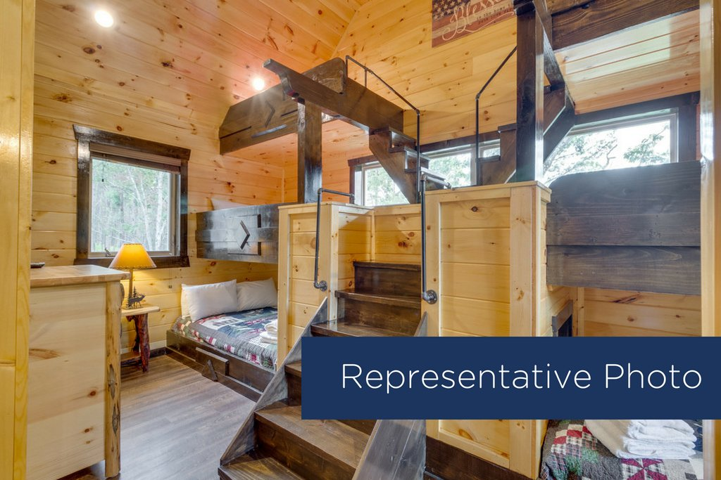Photo of a Gatlinburg Cabin named The Big Poplar Retreat - This is the eleventh photo in the set.