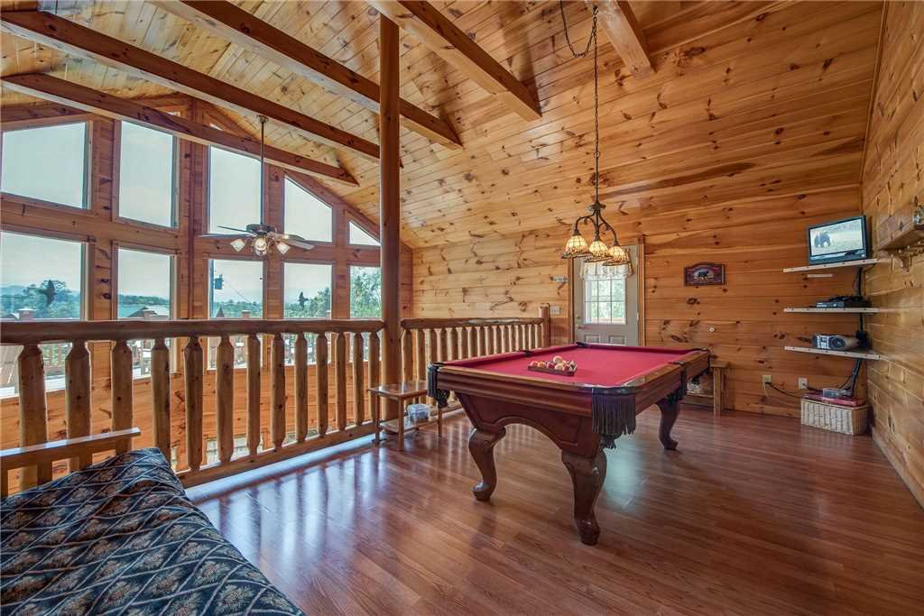 Photo of a Sevierville Cabin named R Bearadise - This is the twelfth photo in the set.