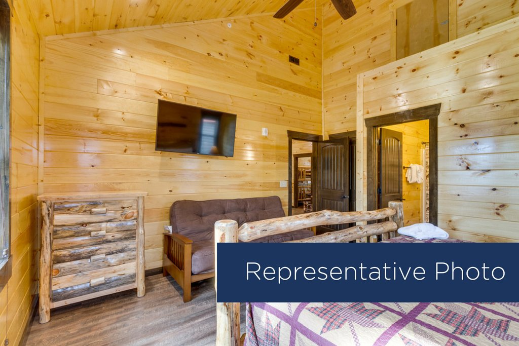 Photo of a Gatlinburg Cabin named The Big Poplar Retreat - This is the eighth photo in the set.