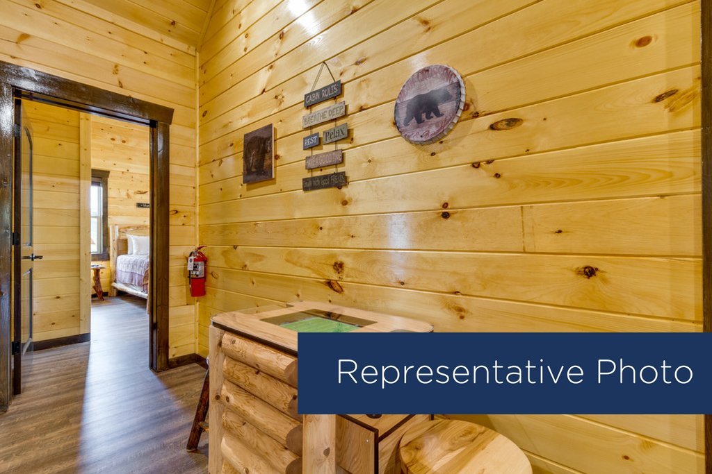 Photo of a Gatlinburg Cabin named The Big Poplar Retreat - This is the seventeenth photo in the set.