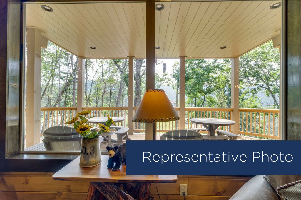 Photo of a Gatlinburg Cabin named The Big Poplar Retreat - This is the sixteenth photo in the set.