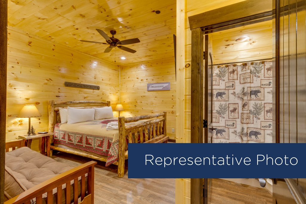 Photo of a Gatlinburg Cabin named The Big Poplar Retreat - This is the fifteenth photo in the set.