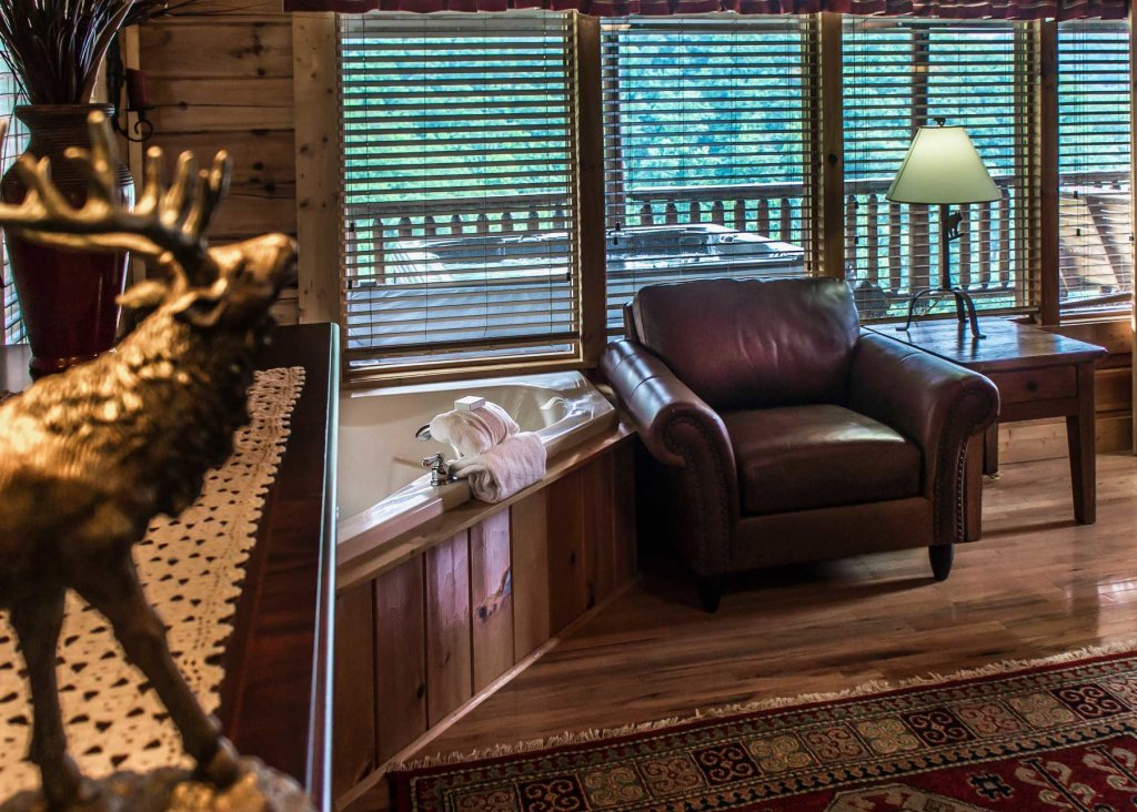 Photo of a Pigeon Forge Cabin named Angel's Perch #54 - This is the sixteenth photo in the set.