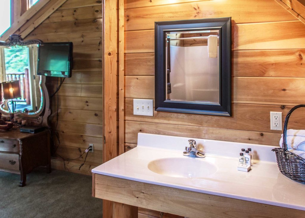 Photo of a Pigeon Forge Cabin named Angel's Perch #54 - This is the twenty-second photo in the set.