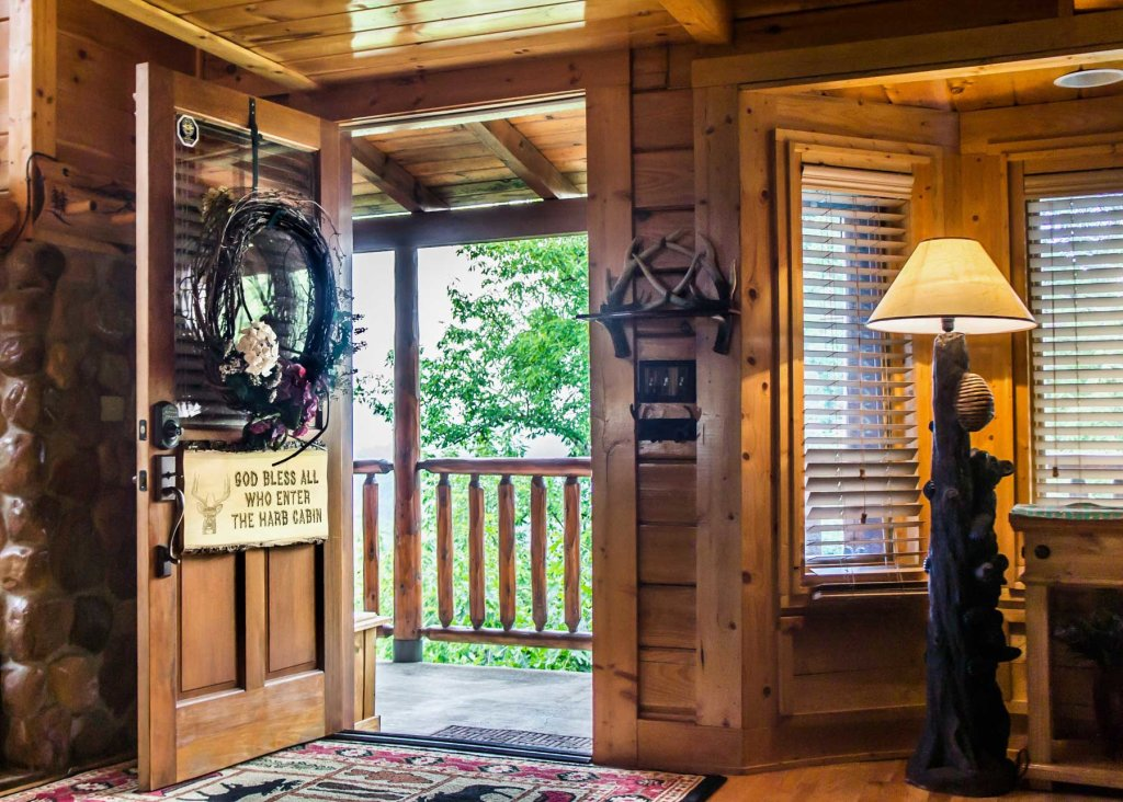 Photo of a Pigeon Forge Cabin named Angel's Perch #54 - This is the twenty-seventh photo in the set.