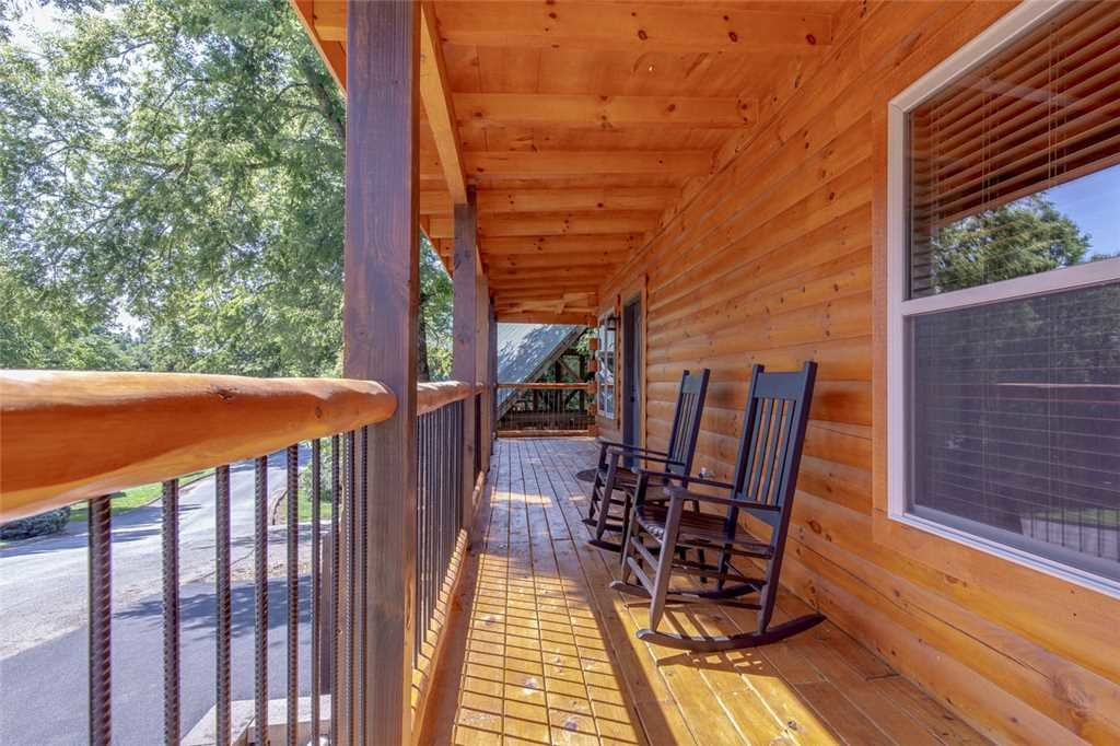 Photo of a Pigeon Forge Cabin named Pure Indulgence - This is the twenty-first photo in the set.