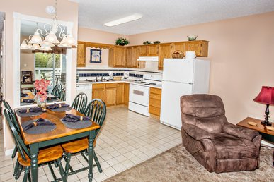 Walk-in Level 1 Br In Downtown Pigeon Forge