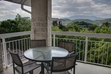 Cozy And Charming 2 Br In Downtown Pigeon Forge + Show Tickets!