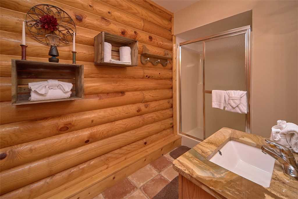 Photo of a Pigeon Forge Cabin named Second Wind - This is the twelfth photo in the set.