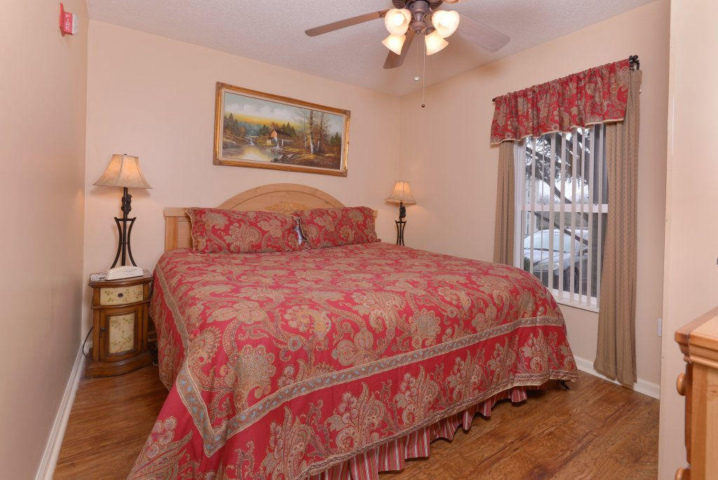 Photo of a Pigeon Forge Condo named Whispering Pines 411 - This is the twentieth photo in the set.