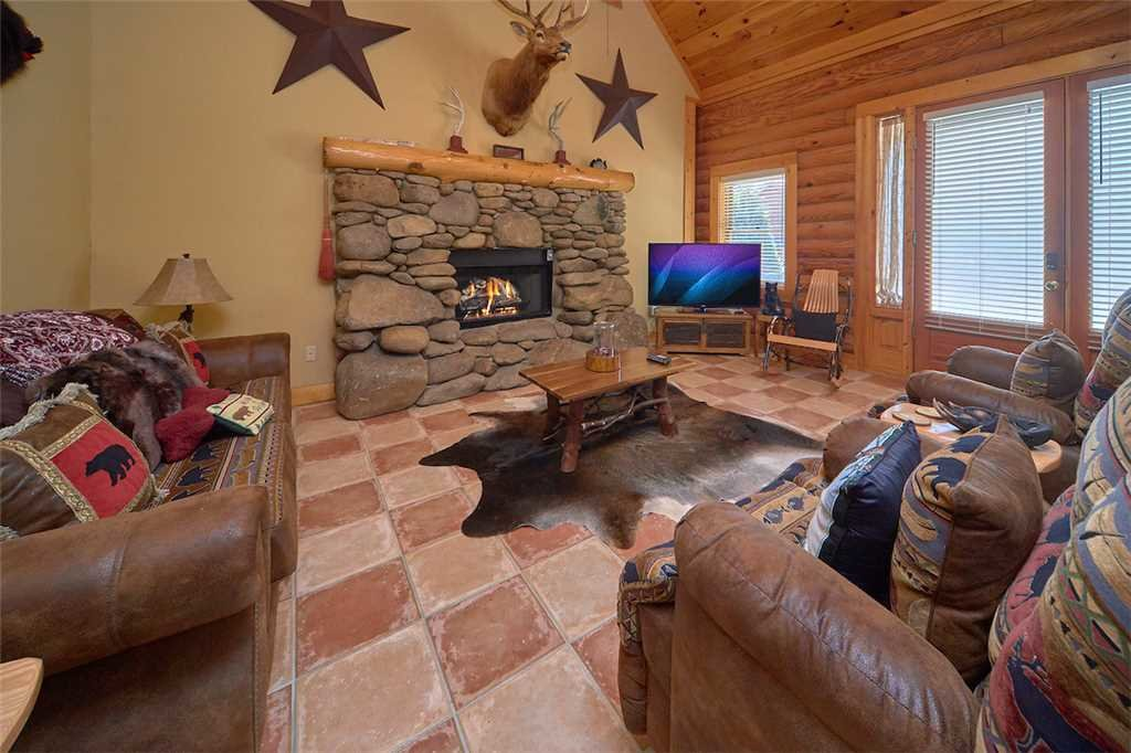 Photo of a Pigeon Forge Cabin named Second Wind - This is the fourth photo in the set.