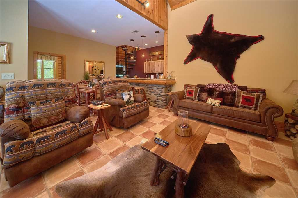 Photo of a Pigeon Forge Cabin named Second Wind - This is the third photo in the set.