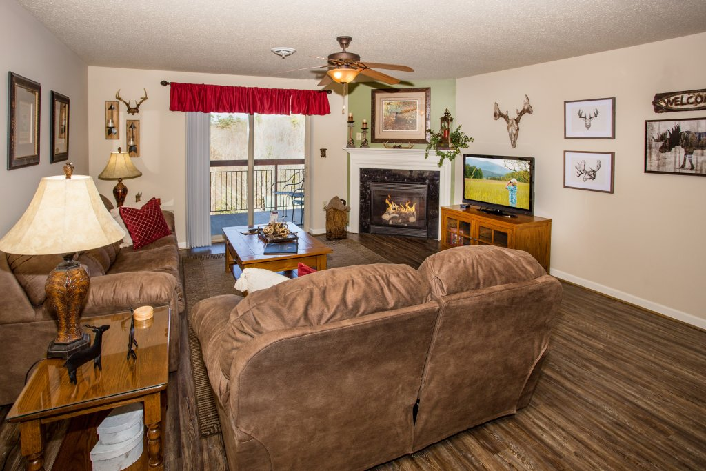 Photo of a Pigeon Forge Condo named Cedar Lodge 704 - This is the first photo in the set.