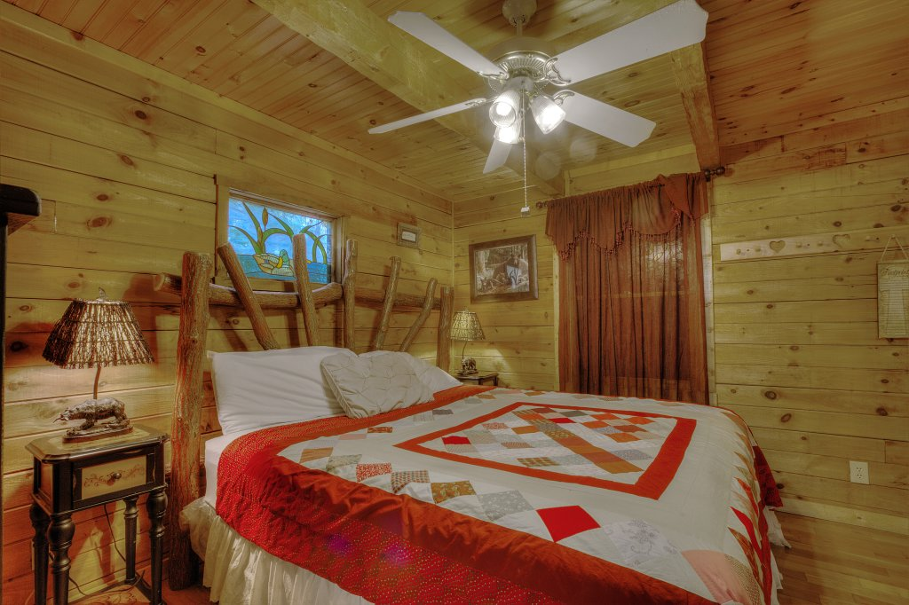 Photo of a Sevierville Cabin named Pure Pleasure Too #202 - This is the third photo in the set.