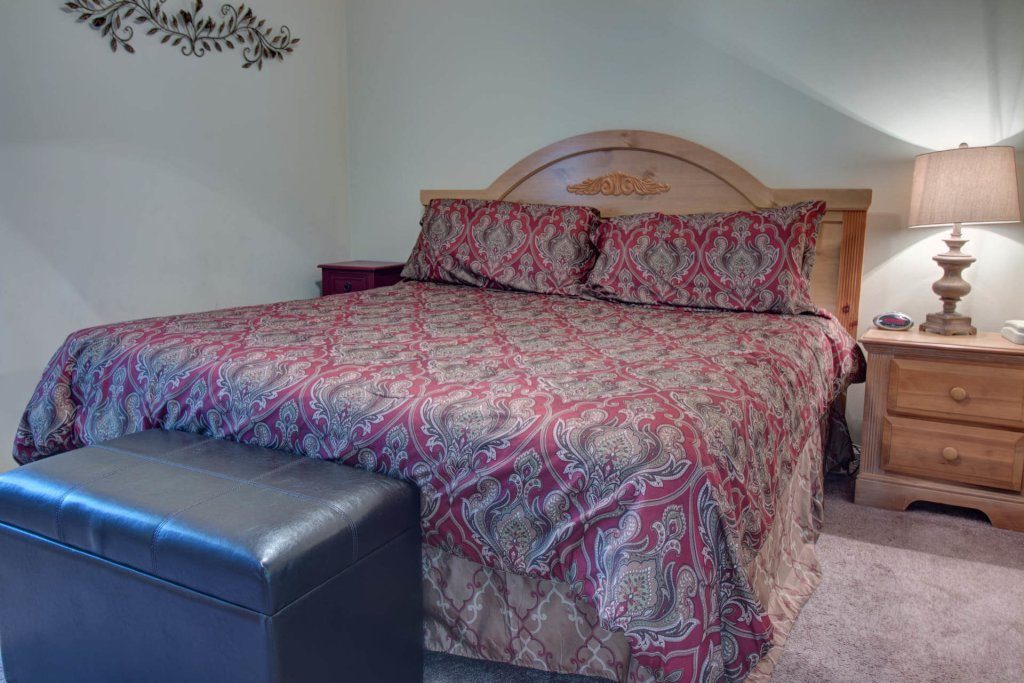 Photo of a Pigeon Forge Condo named Whispering Pines 414 - This is the twenty-second photo in the set.