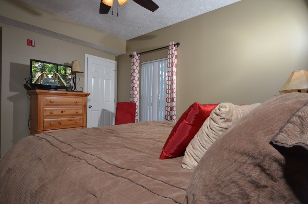 Photo of a Pigeon Forge Condo named Whispering Pines 232 - This is the twenty-third photo in the set.