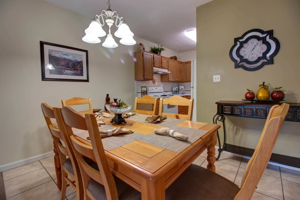 Photo of a Pigeon Forge Condo named Whispering Pines 414 - This is the fifteenth photo in the set.