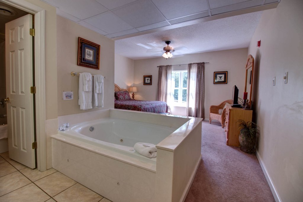 Photo of a Pigeon Forge Condo named Whispering Pines 414 - This is the twenty-third photo in the set.