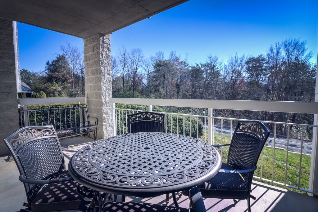 Photo of a Pigeon Forge Condo named Whispering Pines 412 - This is the twenty-fourth photo in the set.