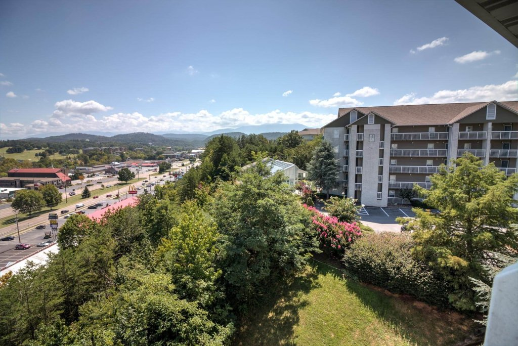 Photo of a Pigeon Forge Condo named Whispering Pines 251 - This is the fifth photo in the set.