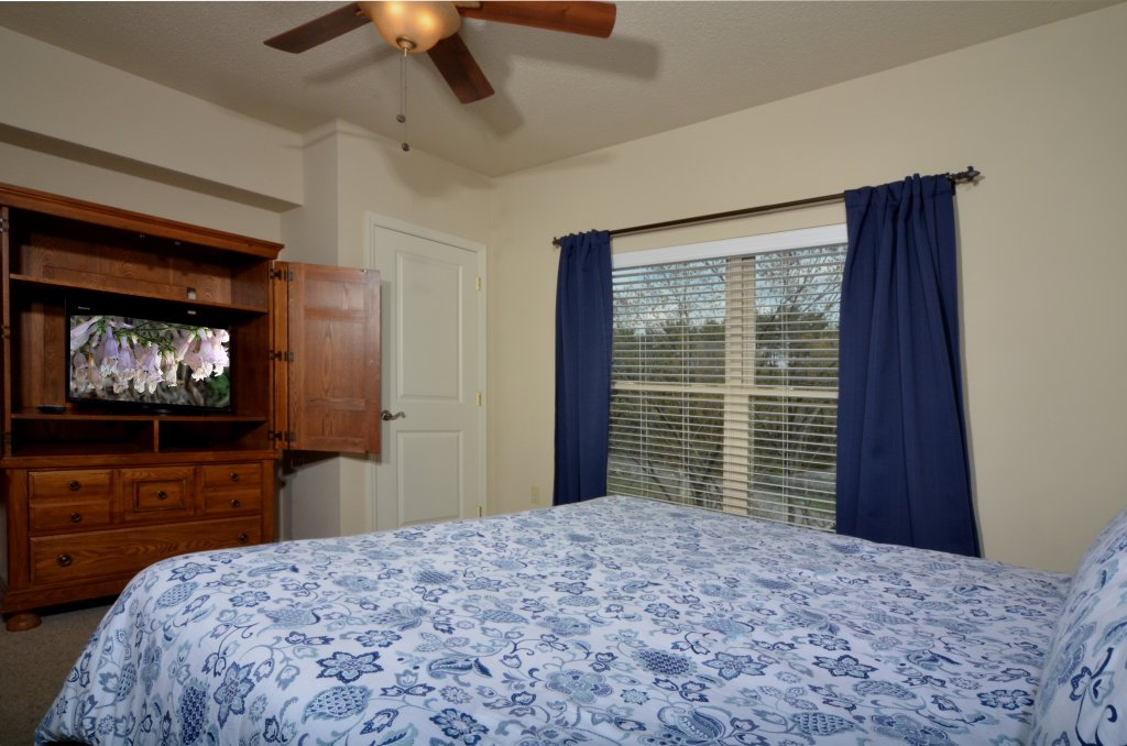 Photo of a Pigeon Forge Condo named Cedar Lodge 503 - This is the seventeenth photo in the set.