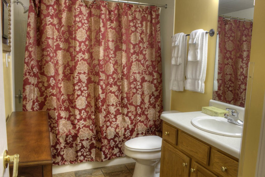 Photo of a Pigeon Forge Condo named Whispering Pines 141 - This is the twenty-first photo in the set.