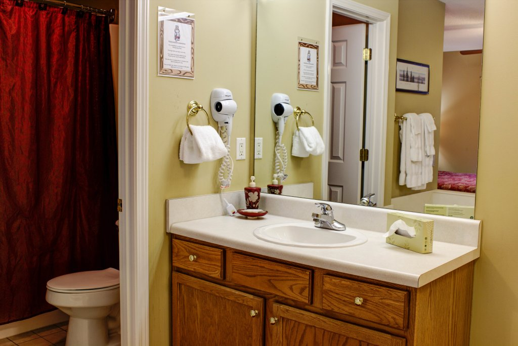 Photo of a Pigeon Forge Condo named Whispering Pines 352hc - This is the twenty-third photo in the set.